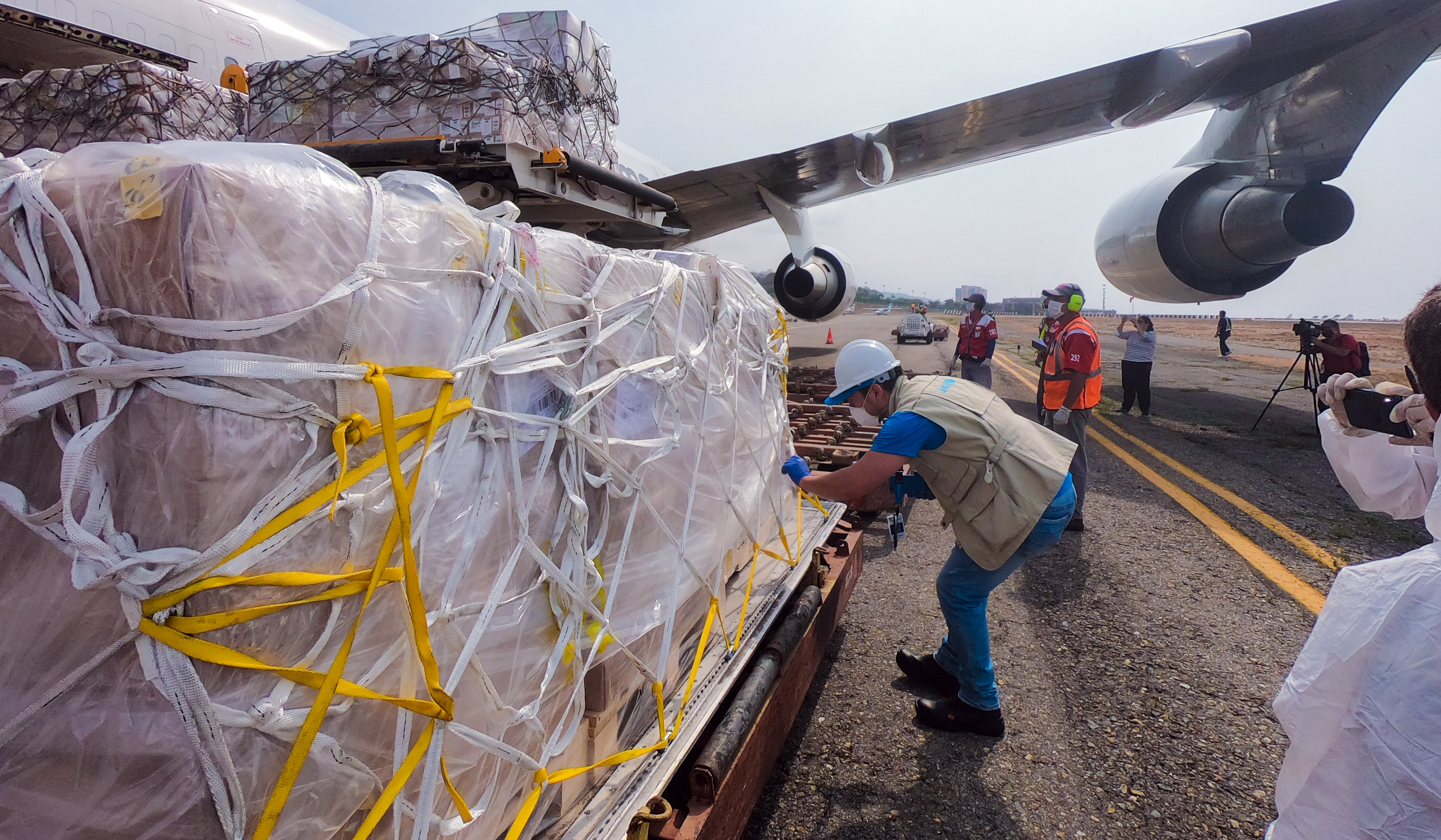 A plane, managed by UNICEF, arrived in the country with 90 tons of supplies to support with COVID-19 response.