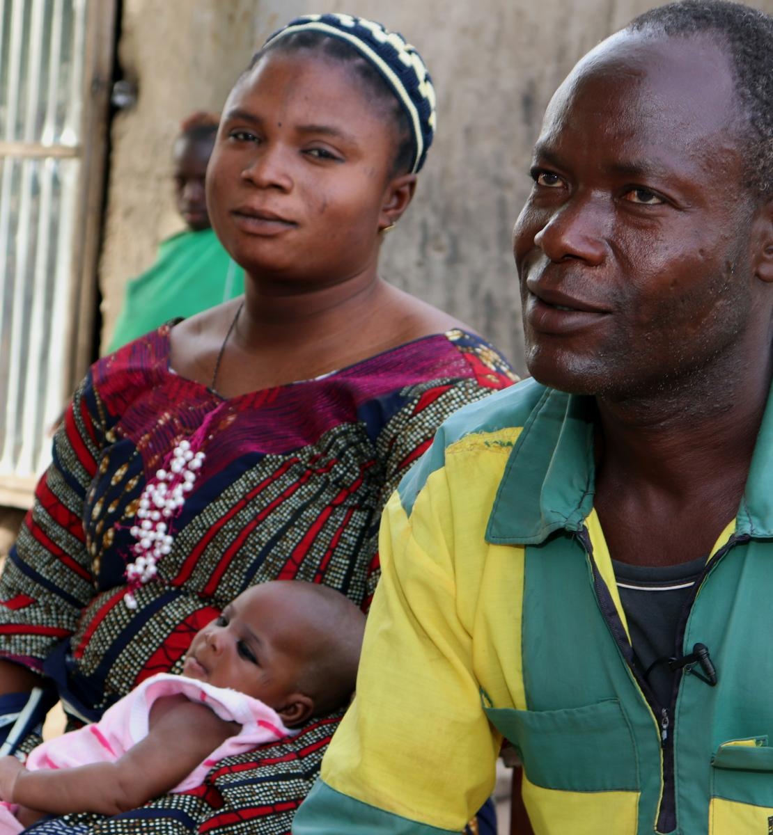 Safiatou and her husband Idrissou welcome their new baby and avoided the hassle of registering their fifth baby, thanks to the new toll-free phone option.